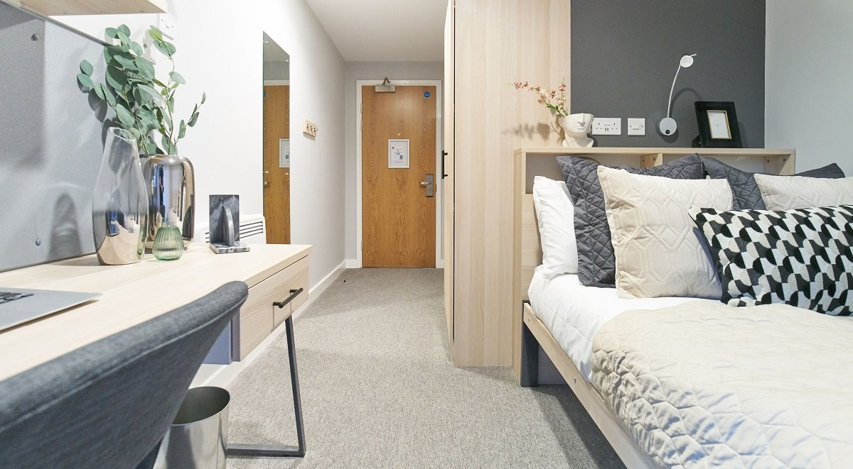 Classic Ensuite Straits Manor Student Accommodation Sheffield