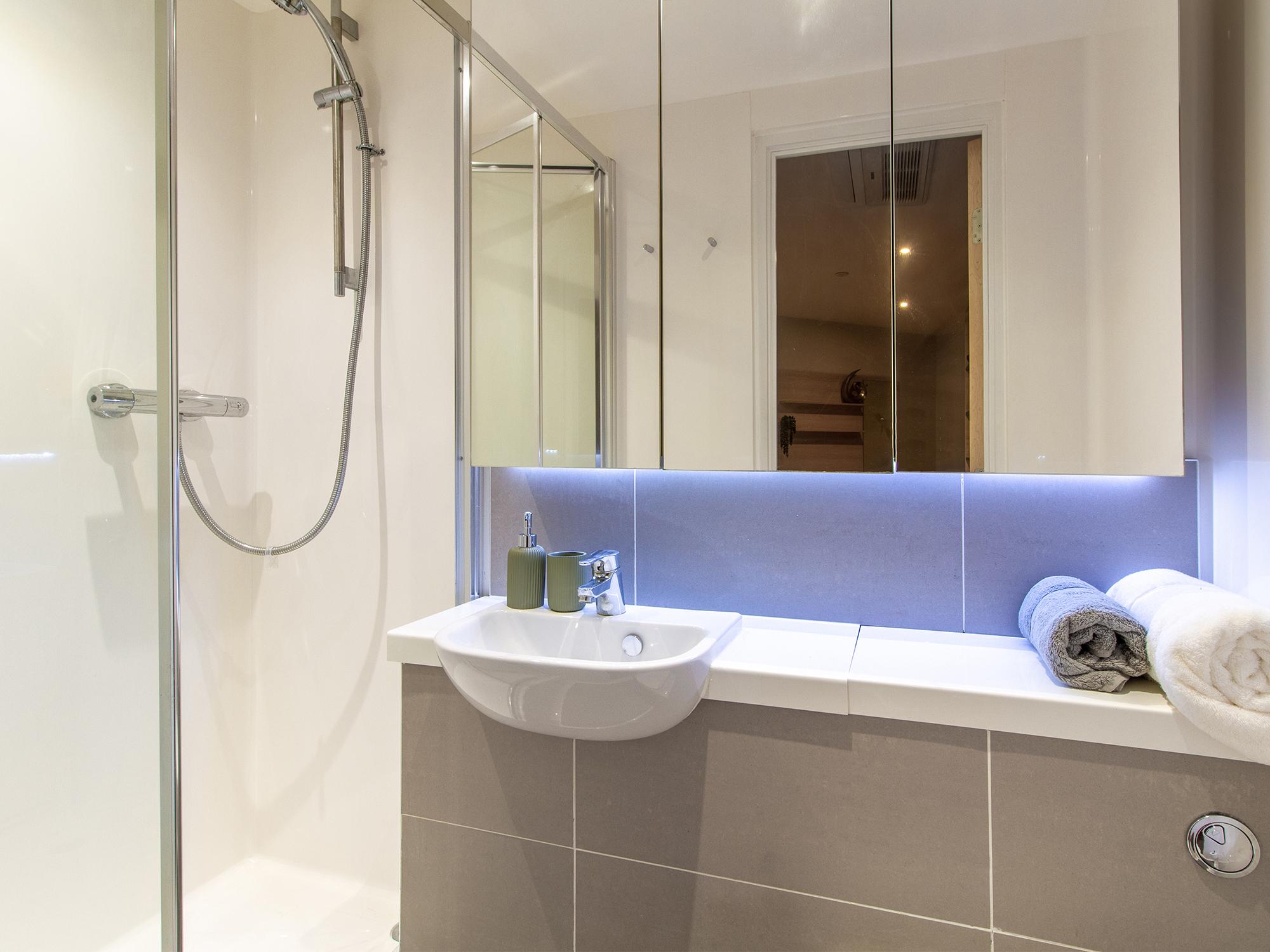 Hythe Mills Luxury Studio Bathroom