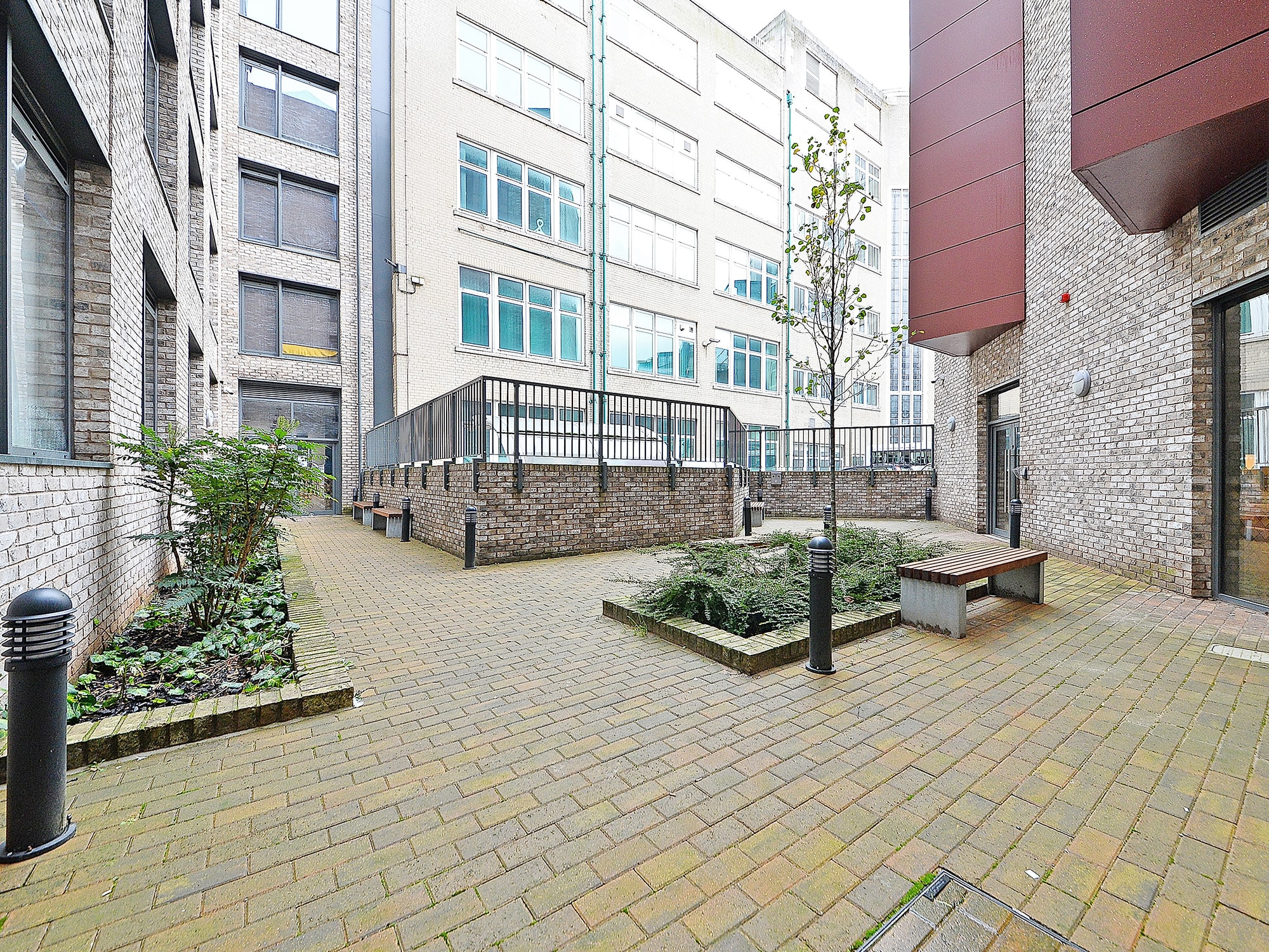 Fontenoy Apartments student accommodation courtyard