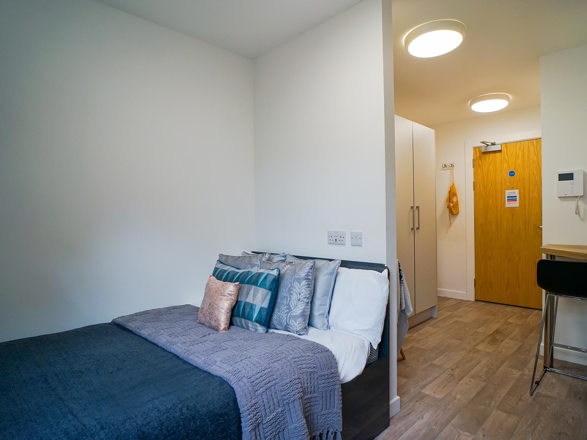 student-accommodation-edinburgh-goods-corner-classic-studio-plus (1)