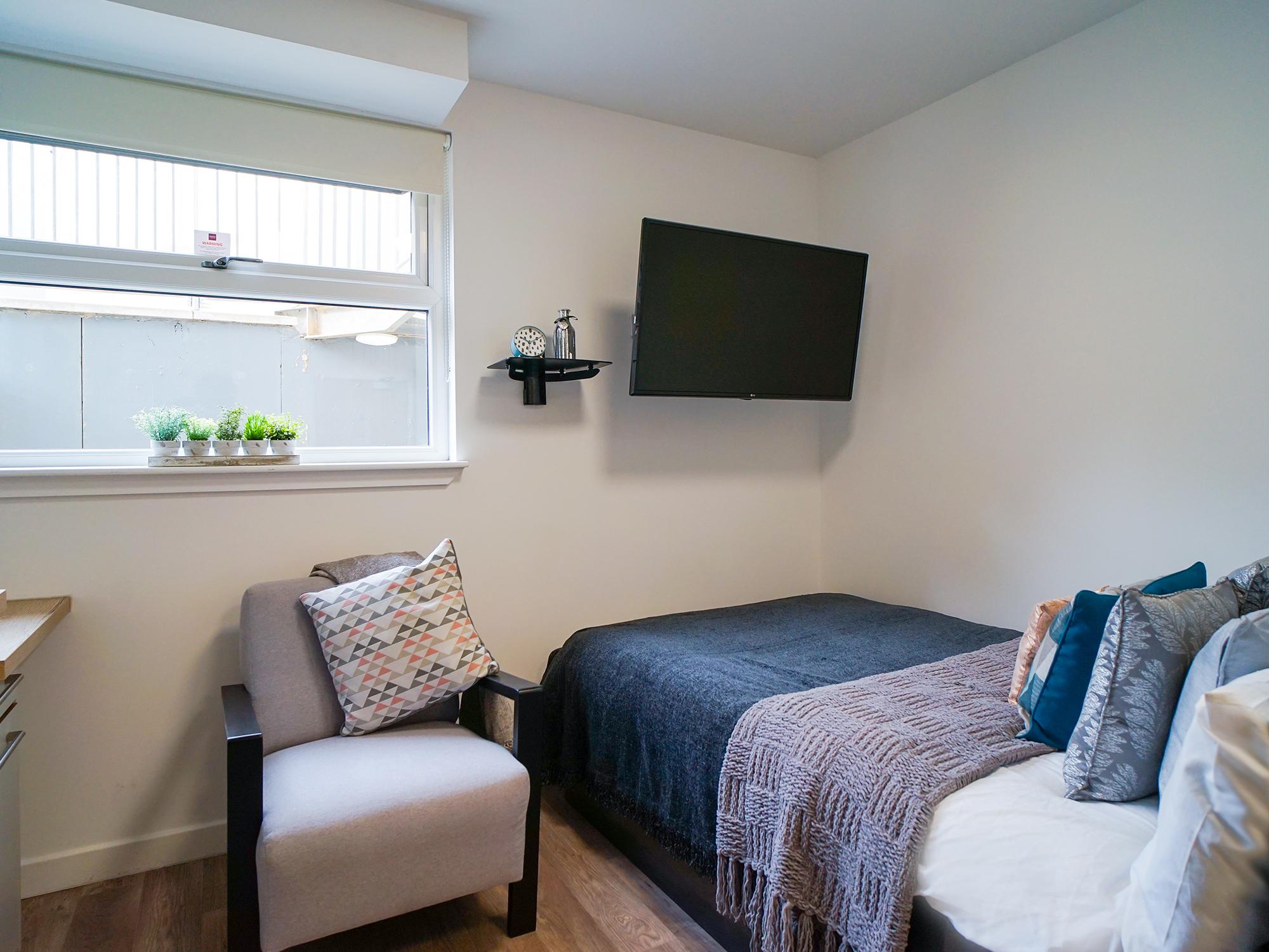 student-accommodation-edinburgh-goods-corner-standard-studio (1)
