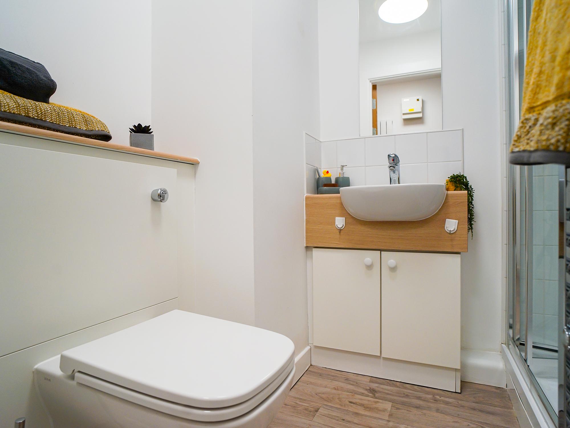 student-accommodation-edinburgh-goods-corner-standard-studio
