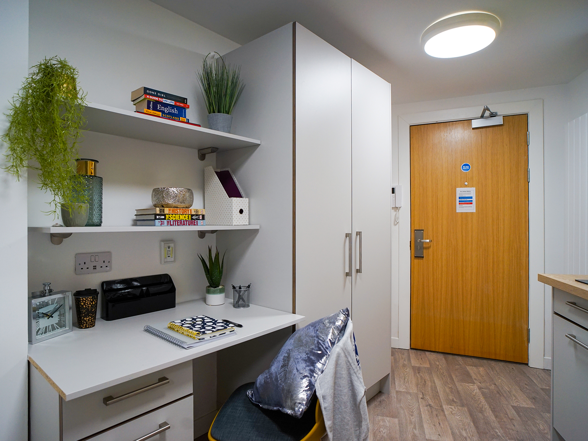 student-accommodation-edinburgh-goods-corner-standard-studio-plus (2)