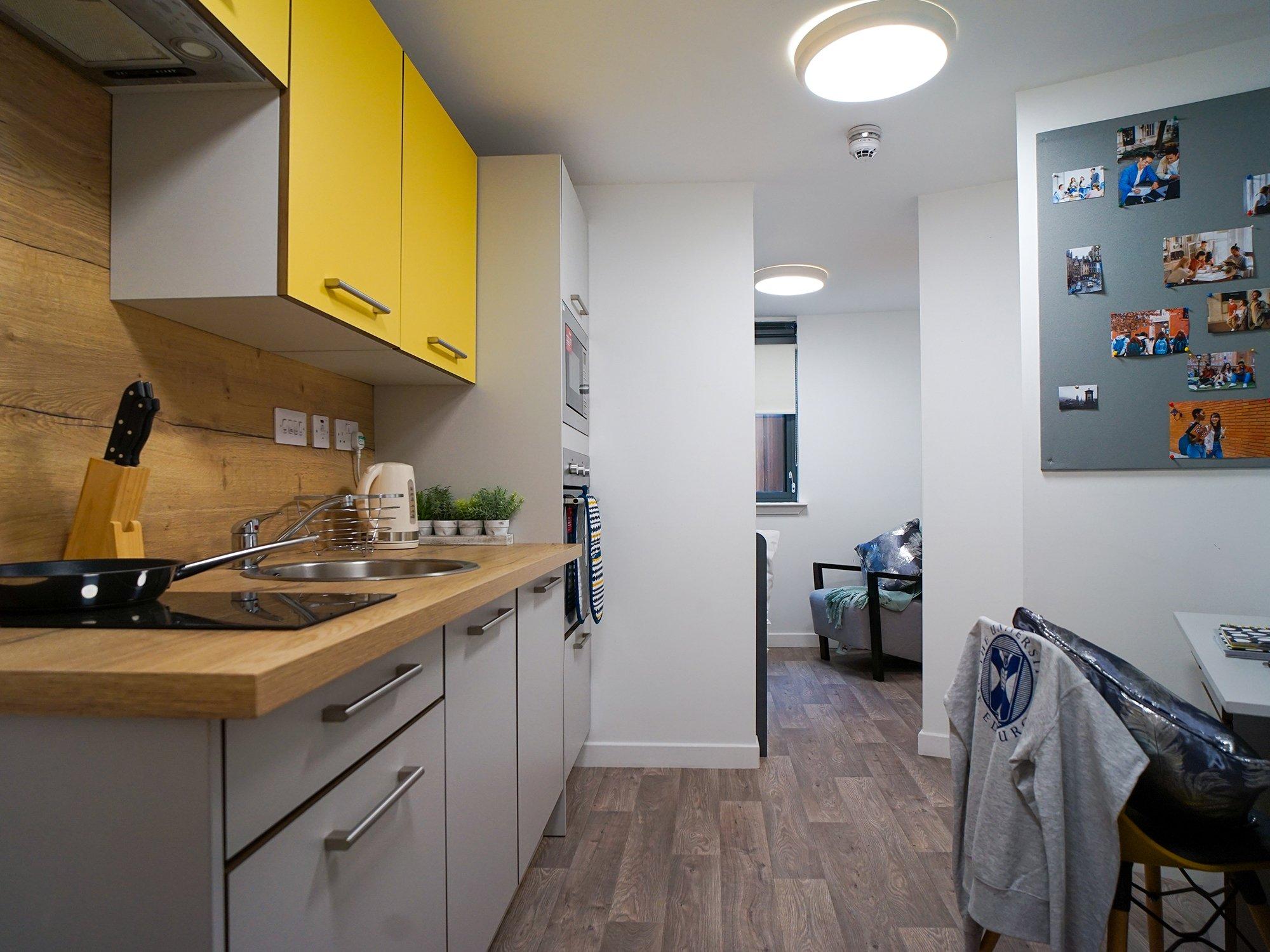 student-accommodation-edinburgh-goods-corner-standard-studio-plus (3)